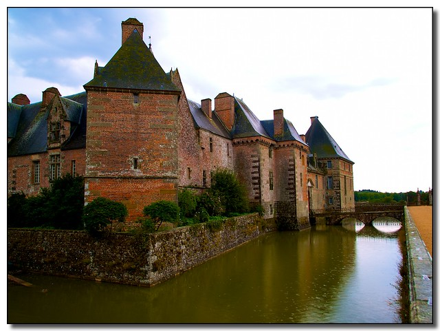 Carrouges Castle in the Orne department – visit it by bike. Photo: Ed Fladung
