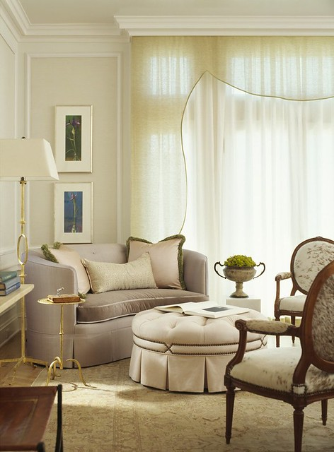 Classic white living room: Benjamin Moore neutral shades + soft fabrics + pelment