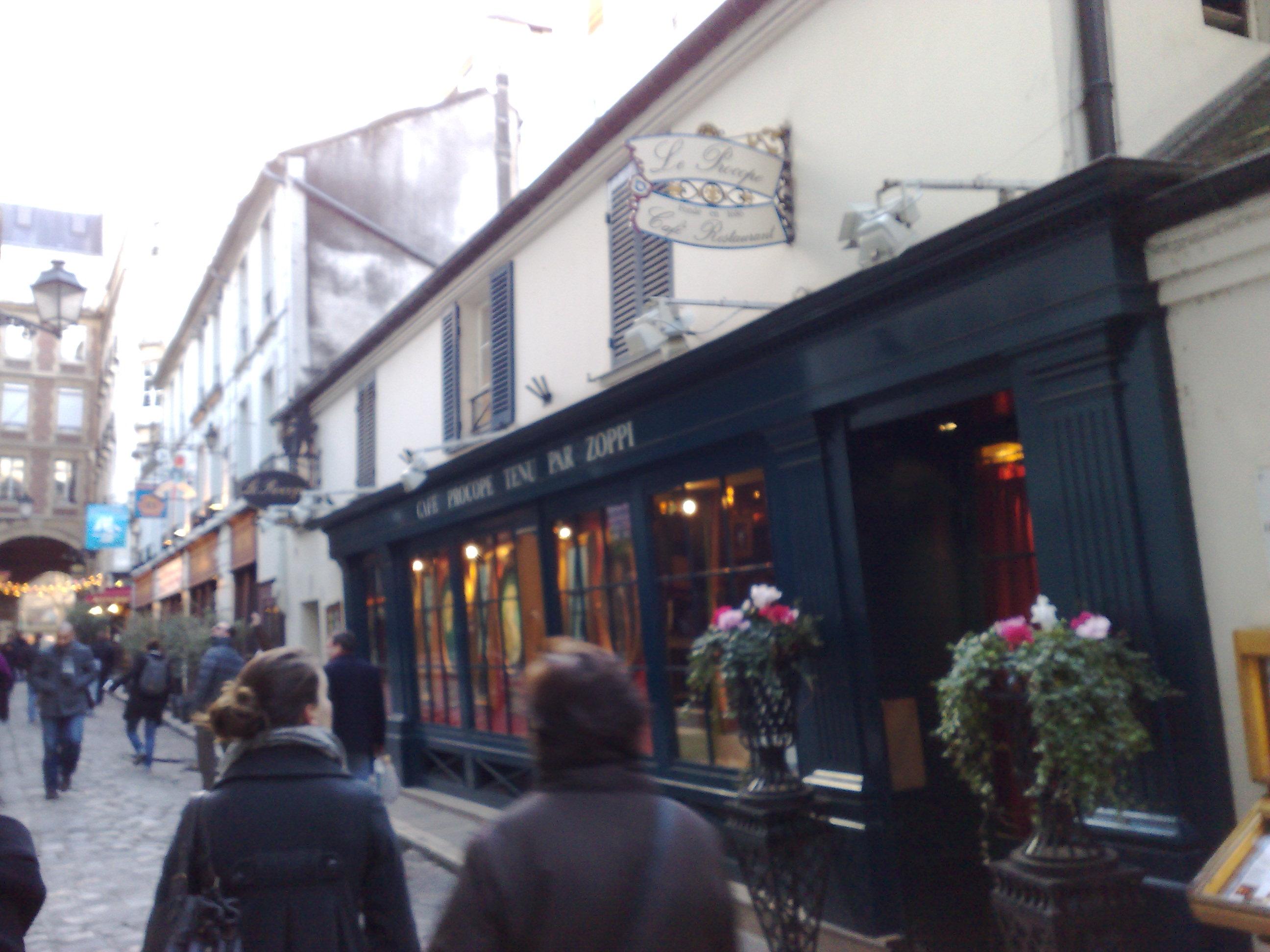 Cafe Mode Rue Francois Er Paris
