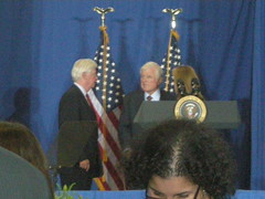 Kennedy Serve America Act Bill Signing, April 21, 09