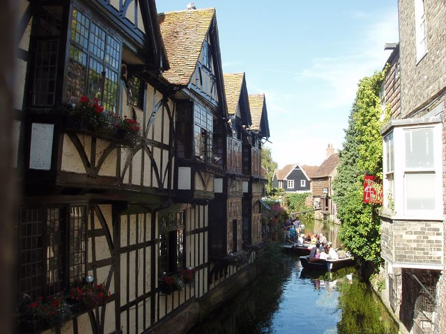 200908160086_Canterbury-river-view
