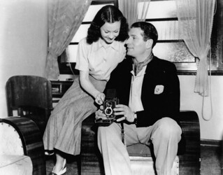 Sir Laurence Olivier and Vivien Leigh on holiday in Queensland