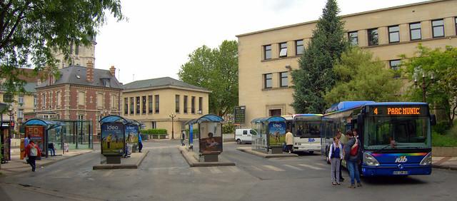 Gare routi re centre ville beauvais fr60 explore jean - Piscine tournesol beauvais ...
