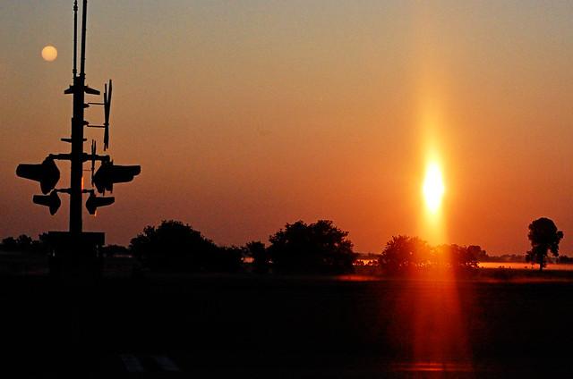 226:365过路处的日出