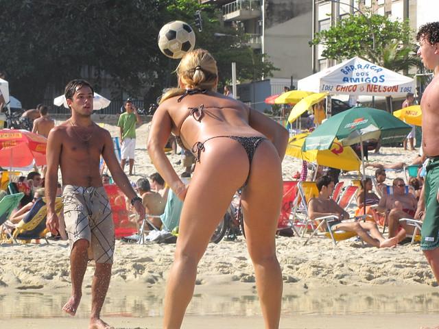 benyeuda - Hot Girl on Ipanema Beach