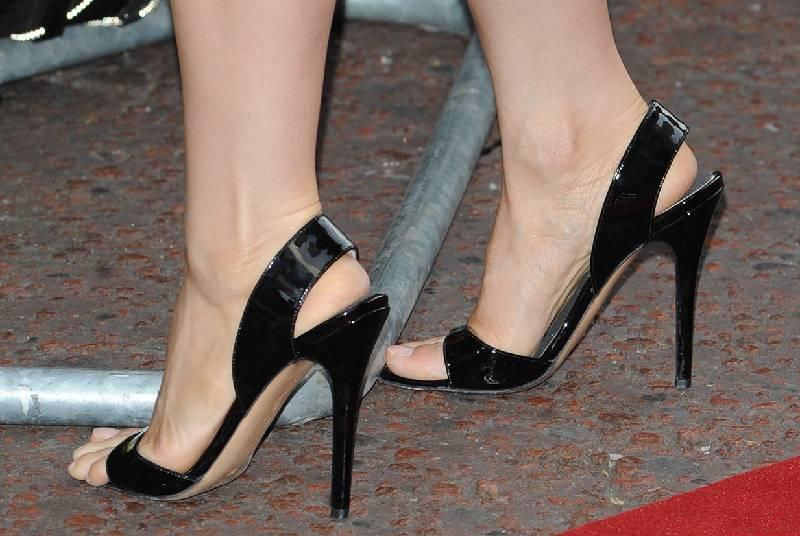 Lucy Lius Feet