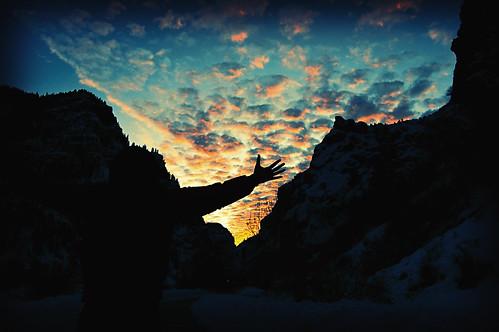 sunset sky mountains silhouette clouds xpro nikon contrejour d40 1855mmf3556 title:author=albertcamus