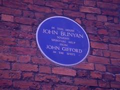 Photo of John Bunyan blue plaque