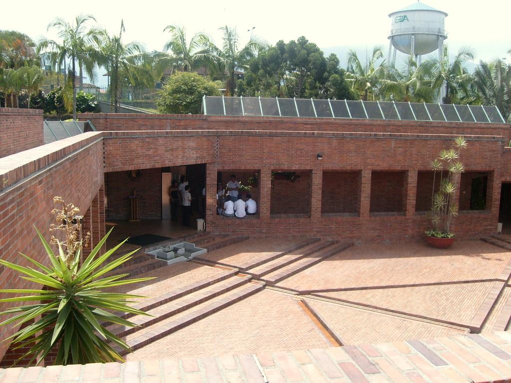 Imagen de la Plaza Central del Museo del Oro Quimbaya