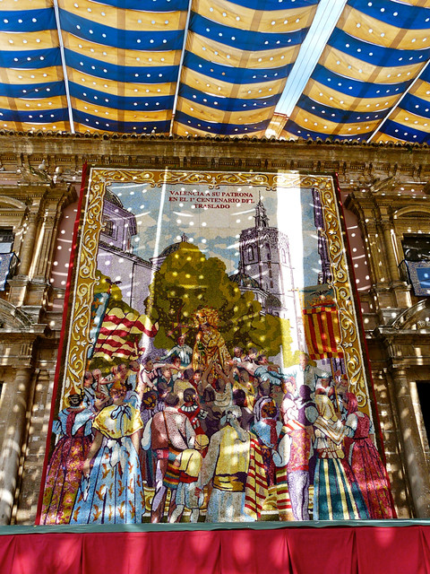 Tapiz Virgen de los Desamparados en Valencia