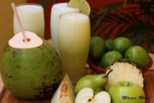 suco pera água coco