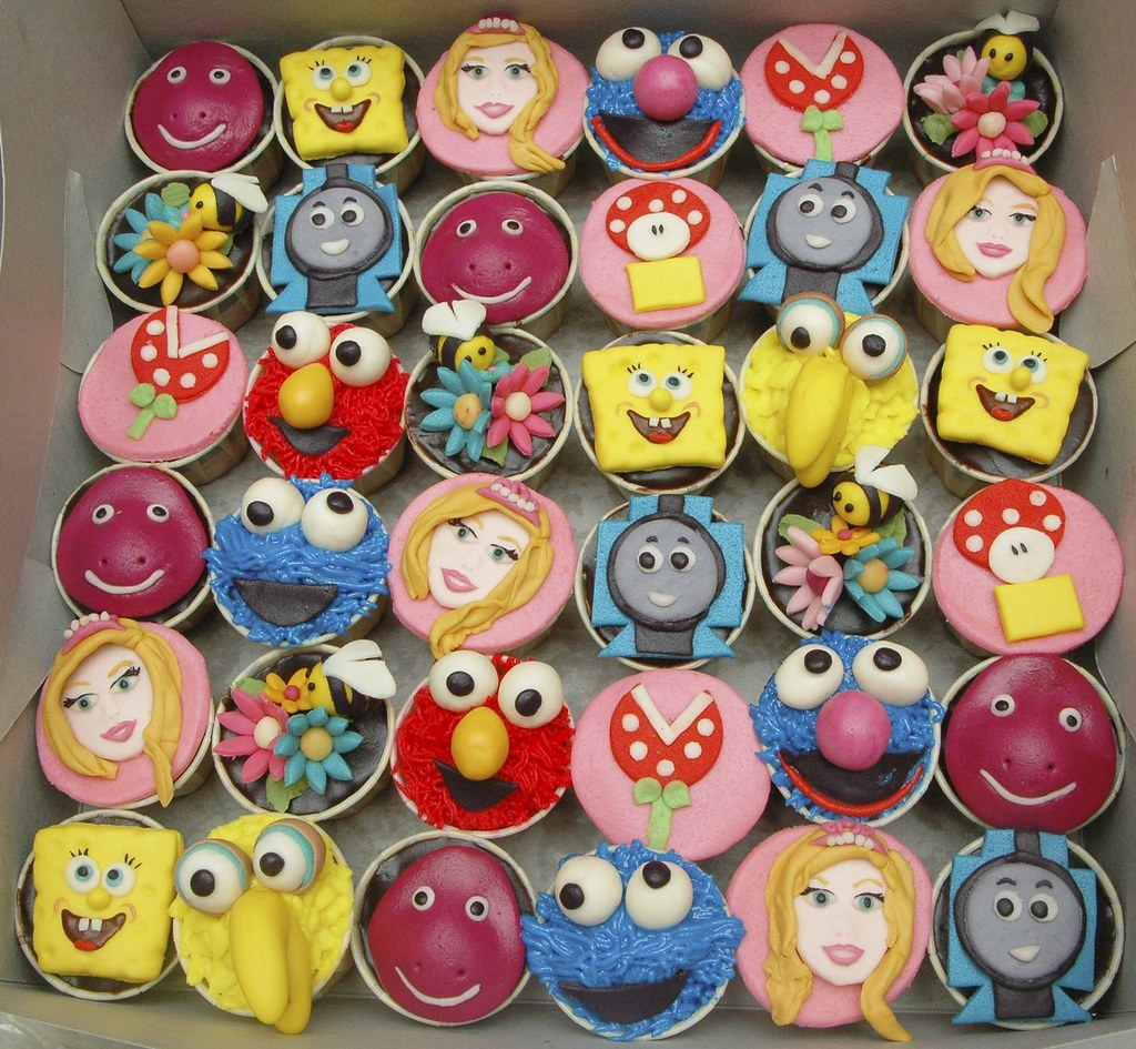 Cartoon Character Design For Cake : Cartoon cupcakes for kids of all ages