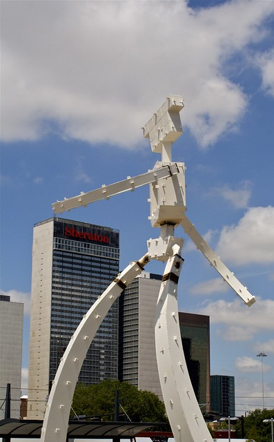 Giant Robot Attacks Downtown04