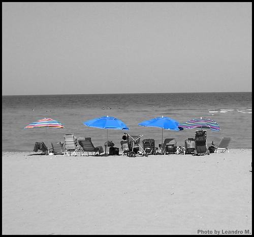Cutout Sombriilas En La Playa
