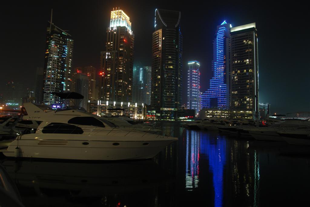 Qué ver en Dubai: Edificios y Yates en Dubai Marina qué ver en dubai - 3839700157 d24216a08a o - Qué ver en Dubai, el oasis inacabado