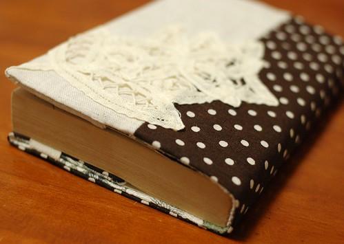 Diy Adjustable Book Cover : Mairuru how to make a paperback cover
