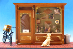 """WIne and Chocolate Shop -- 1"""" Scale Scene"""