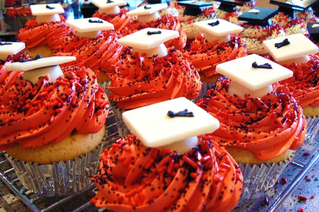 Graduation cupcakes 4