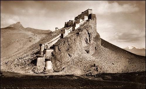 restored sikkim dalailama gamba lordcurzon youtai johnclaudewhite khamberjong agvandorjiyev kampadzong francisyounghusband gombojabtsybikov