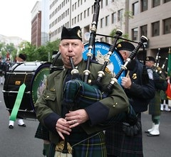 27a.Staging.EmeraldSocietyPipebandMarch.14May2011
