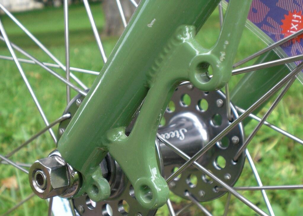 Tweed Front Disc Left 01