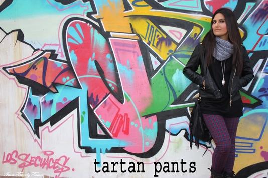 OUTFIT TARTAN PANTS