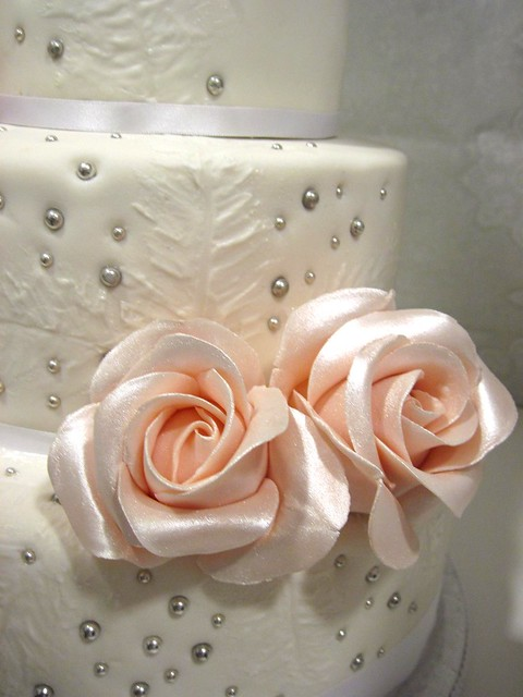 rose wedding cake chocolate cake white chocolate cream cheese frosting