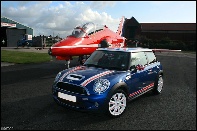 LMR meets the Red Arrows - Jim's MINI