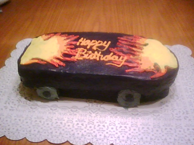 Skateboard Cake http://www.flickr.com/photos/11687684@N02/3953867250/