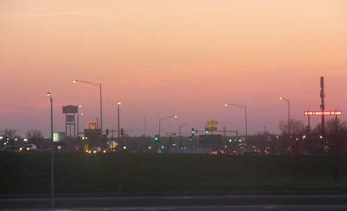 pink sunset sky lights hotel illinois spring inn traffic dusk april hotels mtvernon drury restuarants i57
