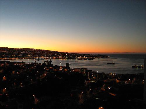 Vista general de la bahía de Valparaíso by Miradas Compartidas