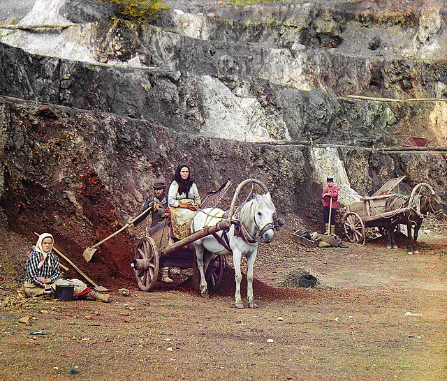 Work at the Bakalskiy mine, 1910