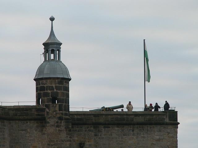 Auf dem 13 Fußballfelder großen Felsplateau des Tafelberges steht die unbezwingbare Festung Festung Königstein mit einige faszinierende Fußabdrücke der sächsischen Geschichte 638