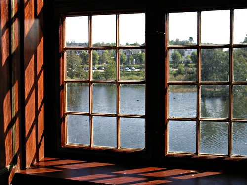 fenster preise holzfenster in schloss gl cksburg wooden window in gl cksburg castle. Black Bedroom Furniture Sets. Home Design Ideas