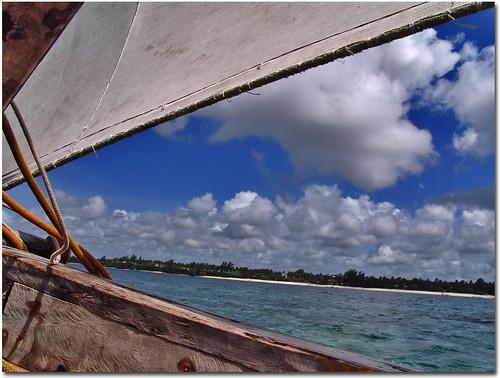 sea sky cloud beach canon boat sand barca mare ship kenya blu vessel nave vela spiaggia mombasa rif sabbia temporale tempesta vascello 450d shanzu torm 400d paololivorno 1000d paololivornosfriends