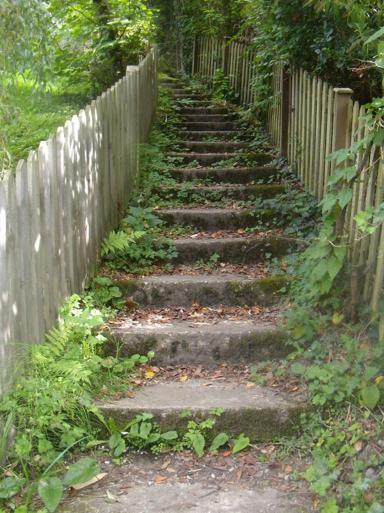 Verdant steps Edenbridge to Westerham