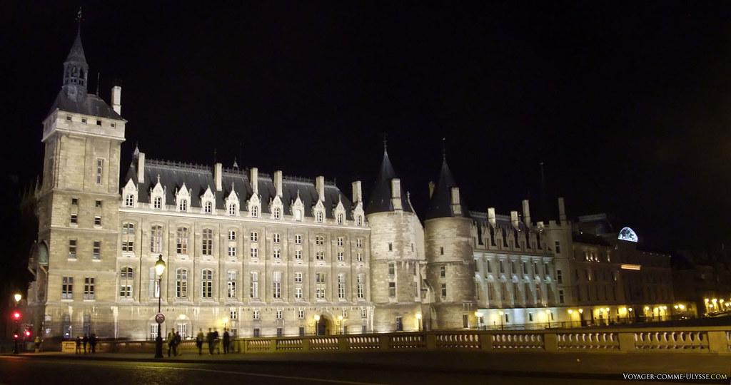 Conciergerie de Paris, la nuit