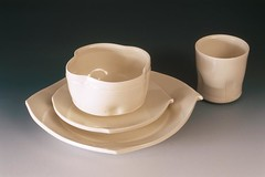 dishware(1.0), serveware(1.0), cup(1.0), drinkware(1.0), tableware(1.0), saucer(1.0), coffee cup(1.0), ceramic(1.0), porcelain(1.0),
