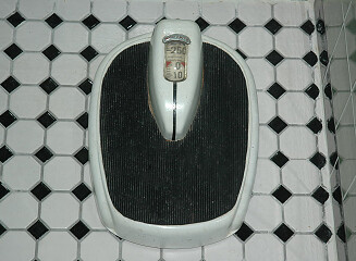 Vintage bathroom scale flickr photo sharing for Big w bathroom scales