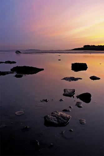 beach beautiful sunrise canon scotland early rocks edinburgh 300d shell peaceful stuart september forth northsea colourful eastcoast nessie latesummer cramond stuartstevenson ©stuartstevenson westpilton overinlessthanhalfanhour