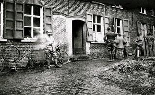 Belgique 1918 - 11 novembre  / 11 A.M -  Rive droite de l'Escaut - Armistice (photo VestPocket Kodak Marius Vasse 1891-1987)