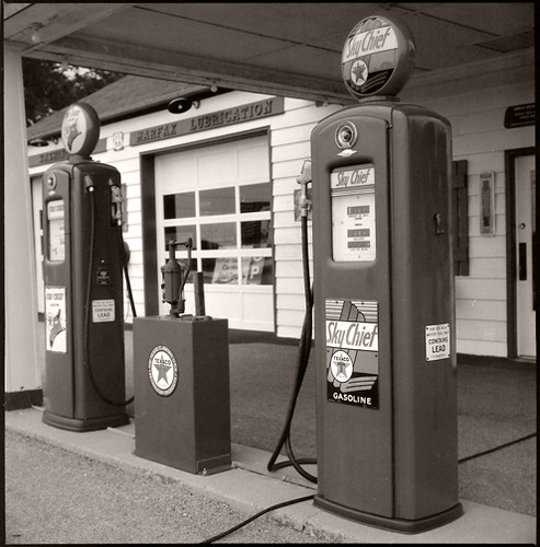 gas station • dwight, il • 2009
