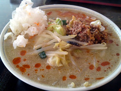 steamed rice(0.0), noodle soup(0.0), food(1.0), dish(1.0), congee(1.0), soup(1.0), cuisine(1.0), gumbo(1.0),