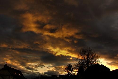 panasonic fz28 lumix leica hdr sky soleil sun sunset sunrise coucher clouds nuages landscape paysage nature night nuit rain pluie besançon photomatix crépuscule franchecomté france philippesaire photo photography ciel