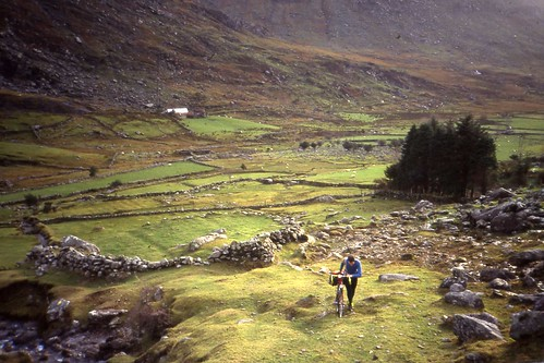 14 November 1991.Crossing by bicycle Curraghmore Saddle from Bridia Valley,MacGillicuddies Reeks, Kerry.