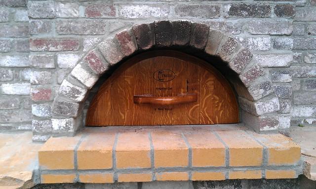 Pizza oven door close up john made a new door for the for Door 2 door pizza
