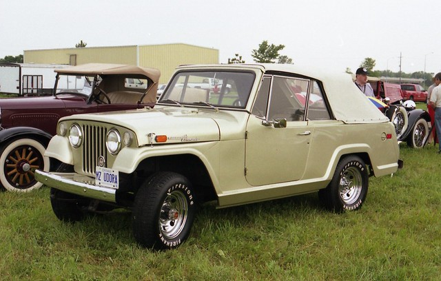 Jeep Jeepster Commando