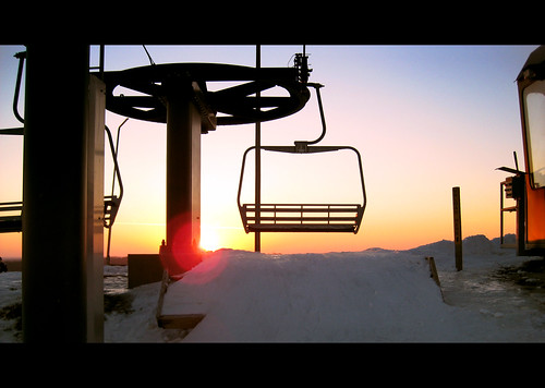 sunset ski snowboarding evening twilight chair skiing lift hill explore frame snowboard letterbox buck snowboarder mn chairlift burnsville skiers flickrchallengegroup