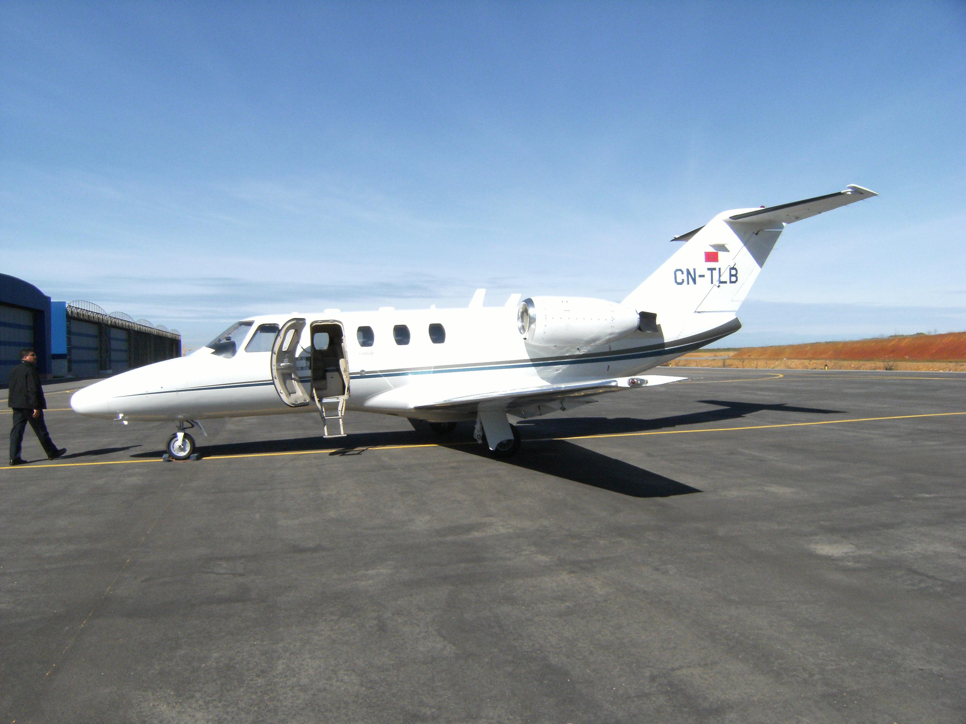 Photos des avions immatriculés au Maroc (CN) 3221570947_4581c5f77a_o