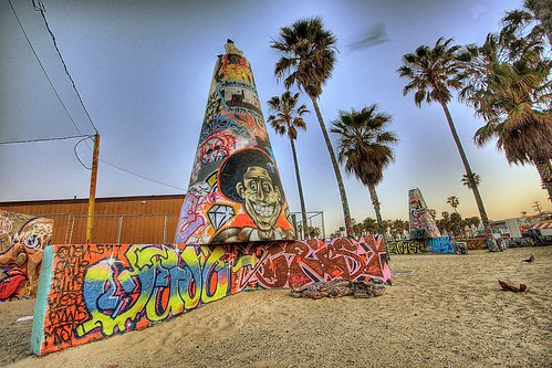 california beach sunrise graffiti losangeles venicebeach 2009 hdr sigma1020mm graffitipit sonydlsra700